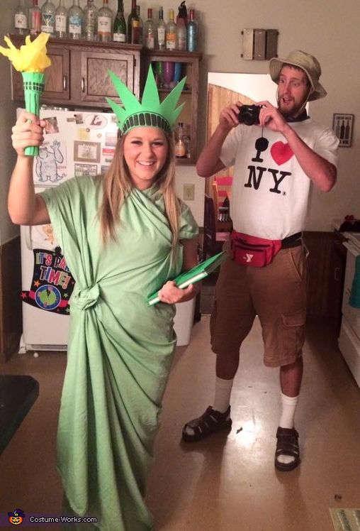 déguisement pour couple de la statue de la liberté et touriste