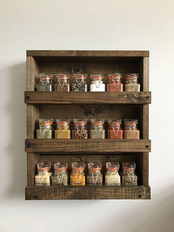 Fabriquer un rangement à épices en bois