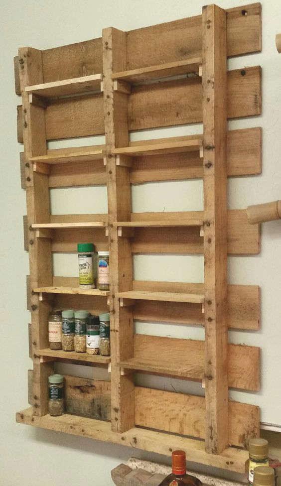 palette de bois pour ranger les épices