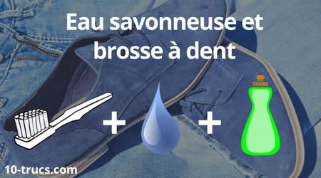 nettoyage du nubuck avec de l'eau savonneuse et brosse à dent
