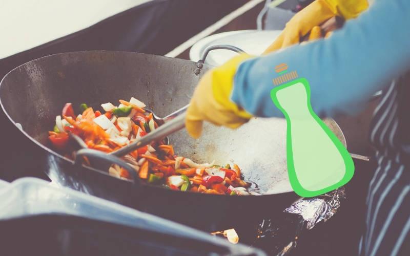 nettoyer une poêle en fonte