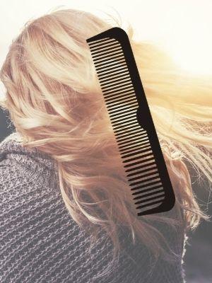 astuces pour se démêler les cheveux rapidement