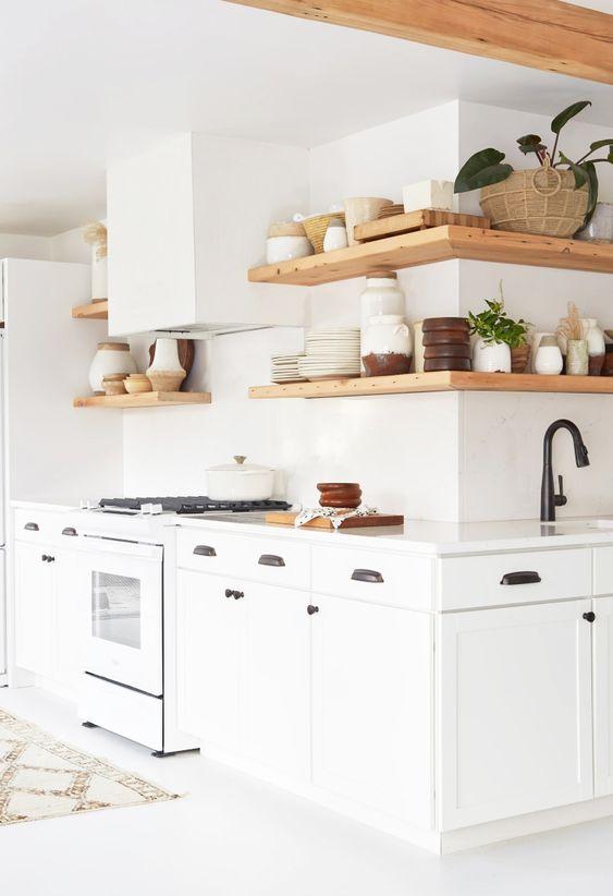 Idées déco pour des murs blancs dans la cuisine