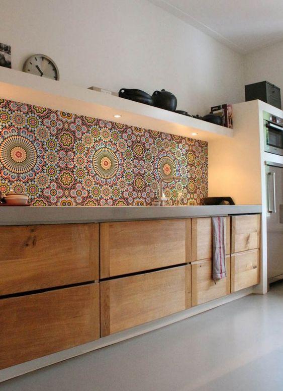 Mosaïque colorée pour la cuisine